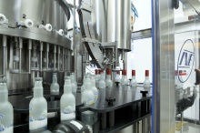 Vacuum filling systems